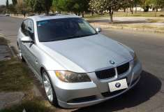 BMW 330i - foto