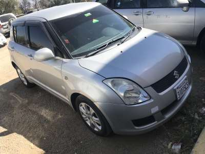 SUZUKI SWIFT - foto